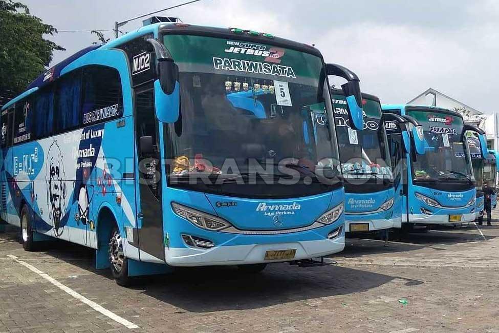 Hi-Cester-Armada-Bus.jpg